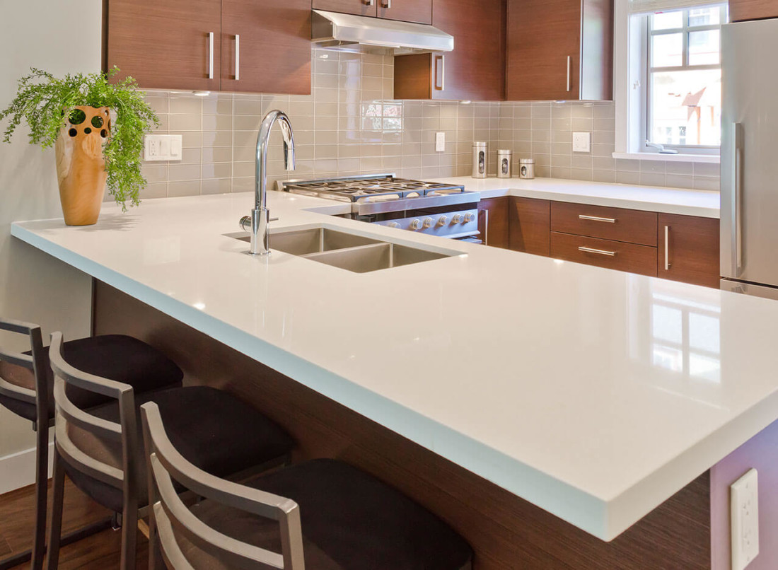Arctic White Quartz Kitchen Countertop 2